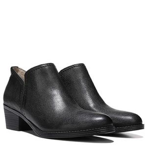 Naturalizer Black Leather Low Heel Ankle Boots 5.5